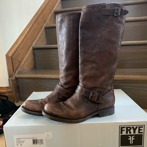 FRYE Veronica Slouch Boots in Dark Brown, Size 9